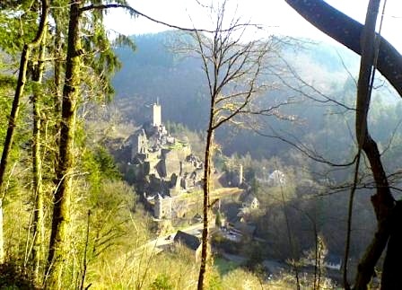 """A view when hiking Eifelsteig trail - one of the many ruins in Manderscheid """