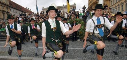 """Dancing Bavarians - Oktoberfest and easy hiking in Munich"""