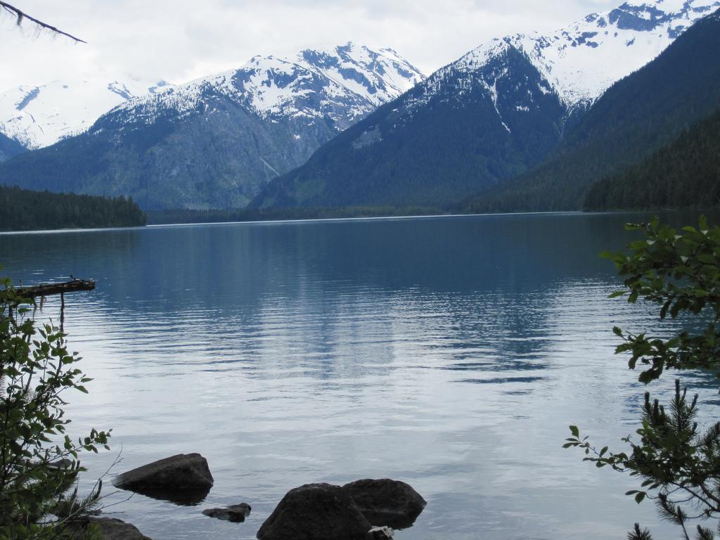 """Cheakamus Lake by hiking trail Canada!"