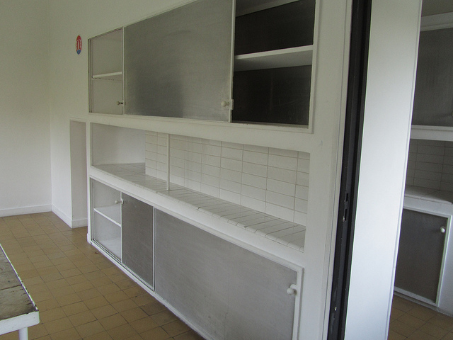 """The kitchen of the white house Le Corbusier built"""