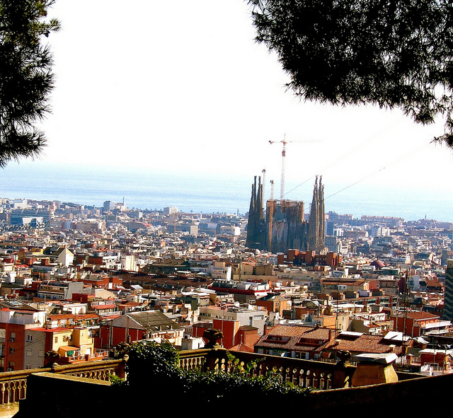 """The Sagrada Familia seen from Park Güell in Barcelona"""