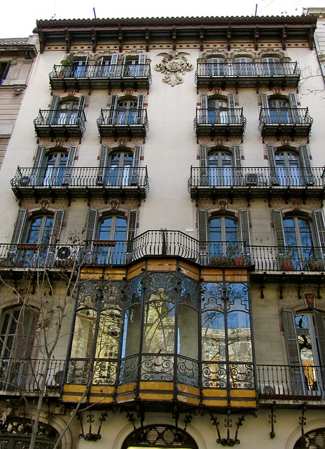 """architecture in Barcelona - art nouveau building in Barcelona"""