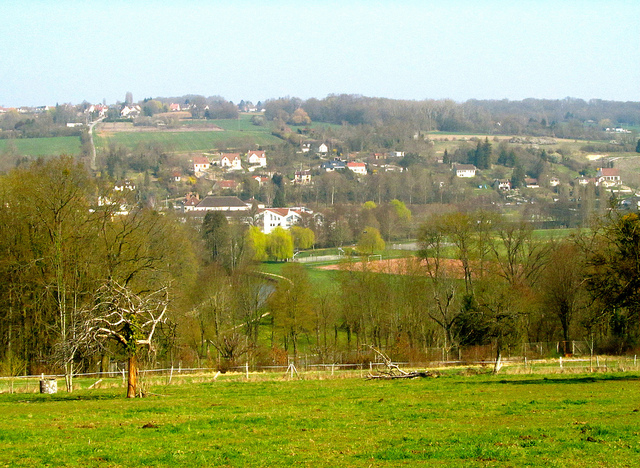 """The town of Crecy la Chapelle seen atop a hill"""