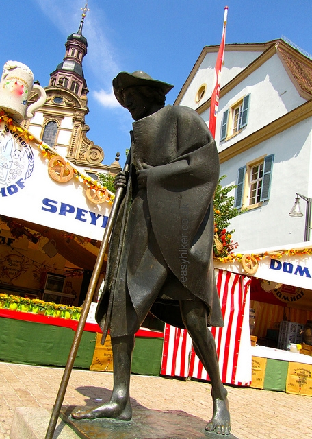"""Statue of Santiago de Compostela in the middle of the town of Speyer in Germany"""