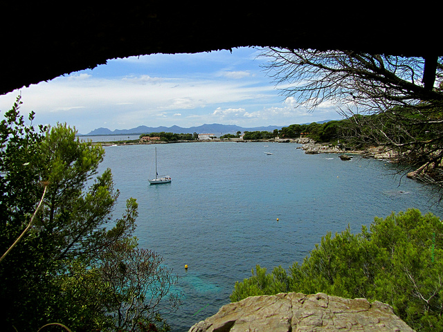 """Sentier Littoral Tirepoil in Cap d'Antibes trail"""
