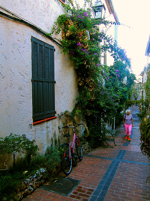 """In the alleyways in Antibes"""