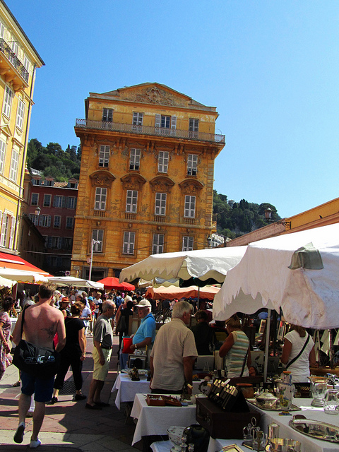"""A visit to the street market for flowers and antiques with two hours in Nice"""