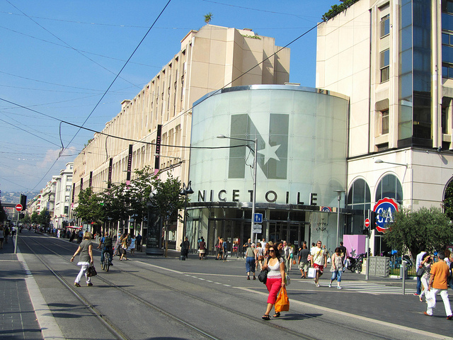 "Nice shopping street"""