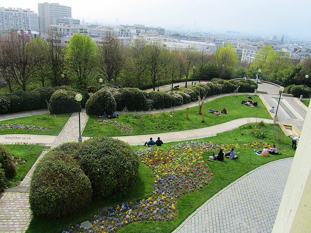 """Picnic grounds in Parc de Belleville for your walking in Paris"""