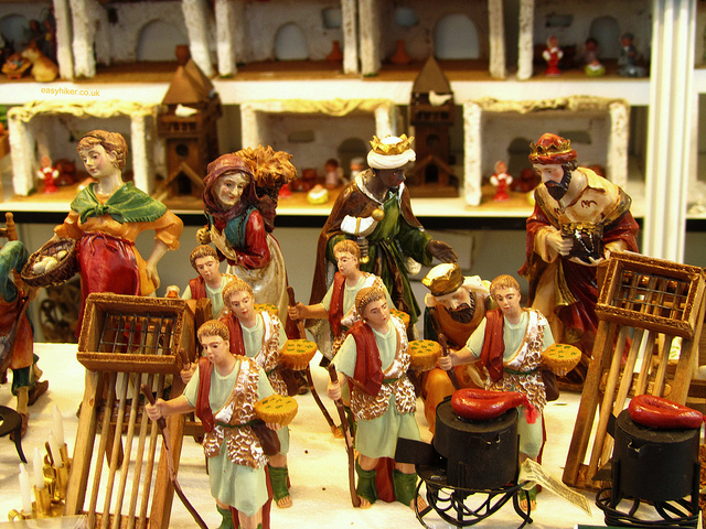 """Figurines for nativity scenes in the Feria del Belen Christmas market"""