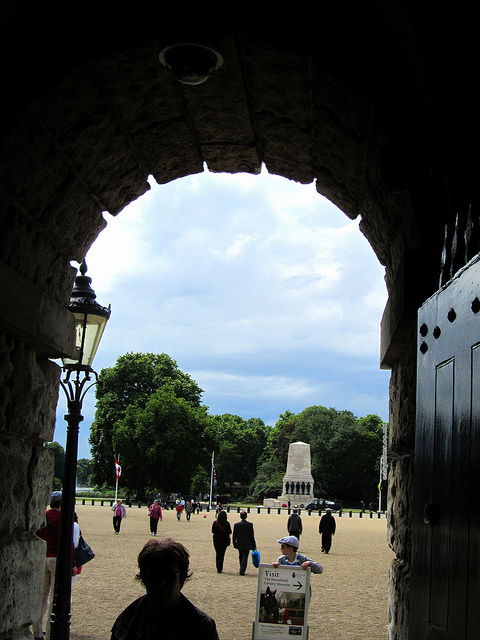 """Through the HorseGuards gates into St James' Park in London"""