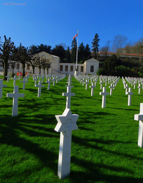 """An American war cemetery in Mont Valerien near Paris"""