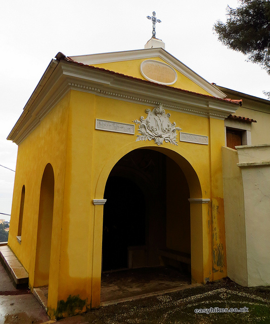 """La Pausa Chapel along the Roquebrune trail"""