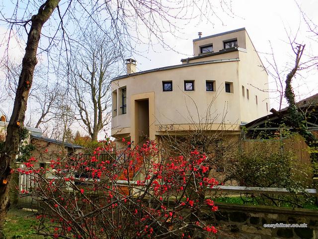 """houses seen on a fine weather walk in Maur Creteil near Paris"""