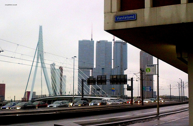 """Rotterdam in pictures and 300 words"""