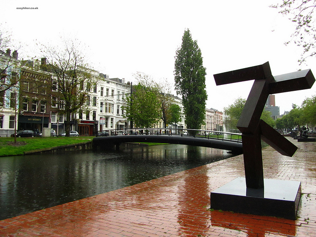 """Rotterdam in 300 words and a picture of a piece of modern sculpture"""