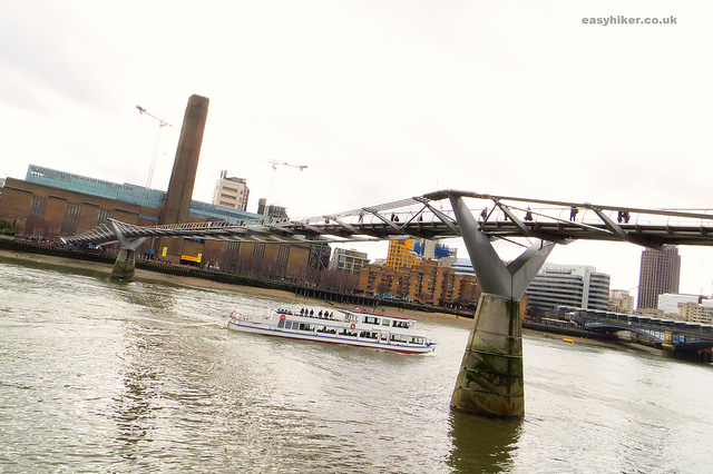 """Tate Modern in the background along the London crime trail"""