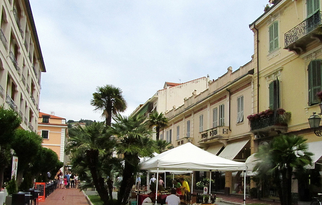 """Bordighera high street"""