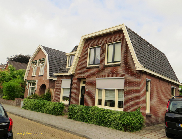 """To see while hiking in Holland - Typical roof of Dutch houses"""