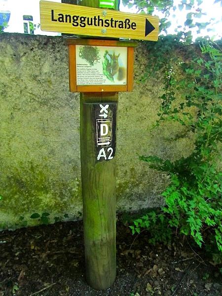 """""""German hiking trails - Trail mark for the Drahthandelsweg in Iserlohn"""""""