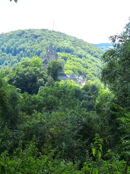 """German hiking trails - The Altena Castle along the Drahthandelsweg"""