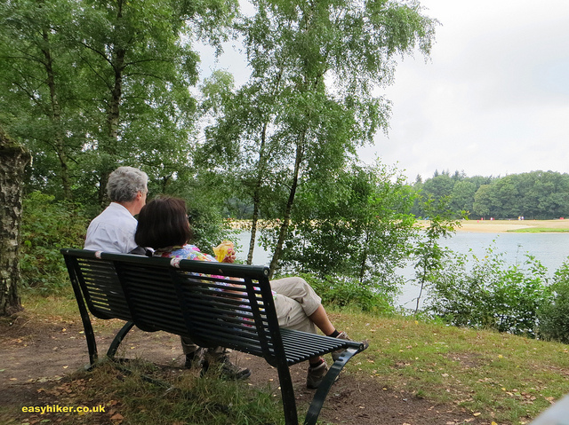 """Stopping for a picnic on a hike from Oldenzaal to Hengelo"""