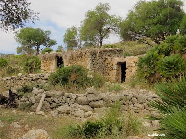 """Abandoned farmhouses seen along the Ermita de Betlem trail when hiking in Mallorca"""