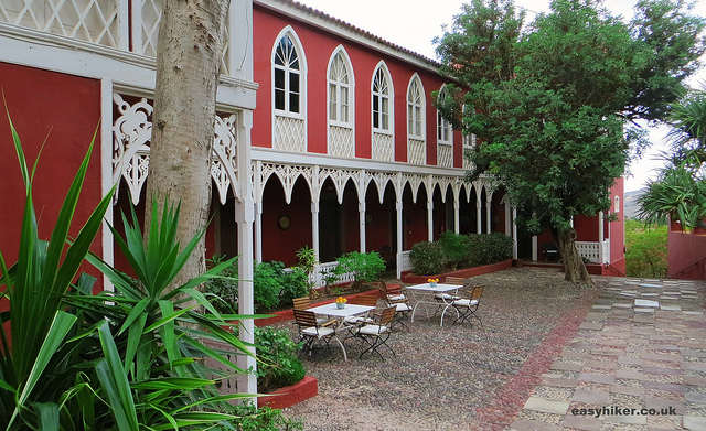 """the courtyard of Hotel Las Longueras in Gran Canaria"""
