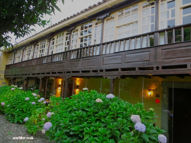 """apartments above and restaurant below of Hotel Las Calas Gran Canaria"""