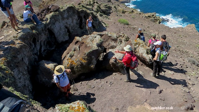 """some archeological interests in one of the three volcanoes of la isleta"""