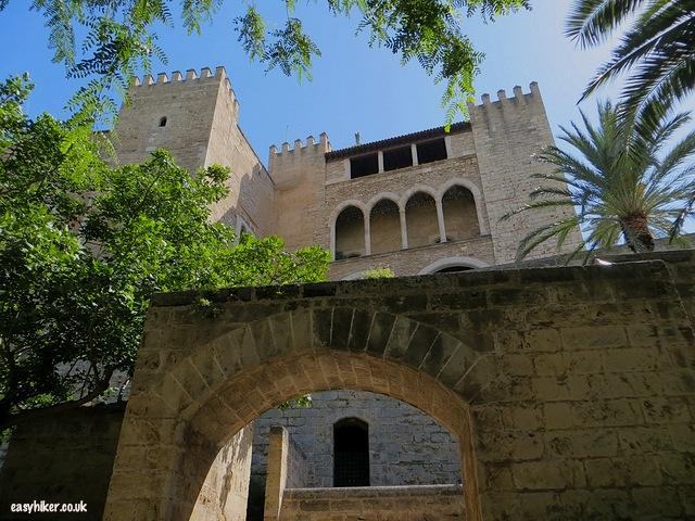 """""""Palau de la Almudeina to vist when sightseeing in Palma de Mallorca"""""""
