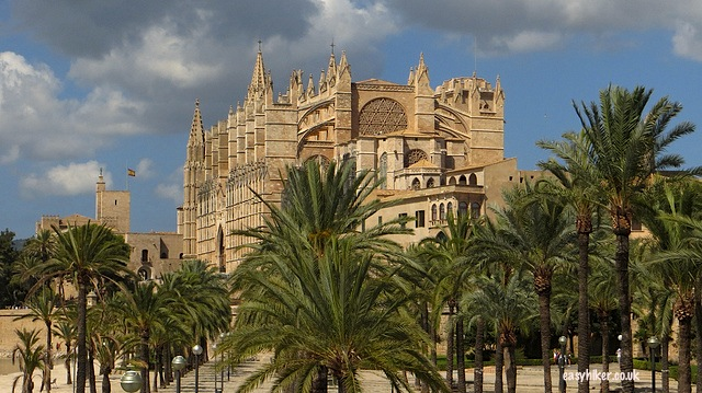 """La Seu Cathedral to see in Palma de Mallorca"""
