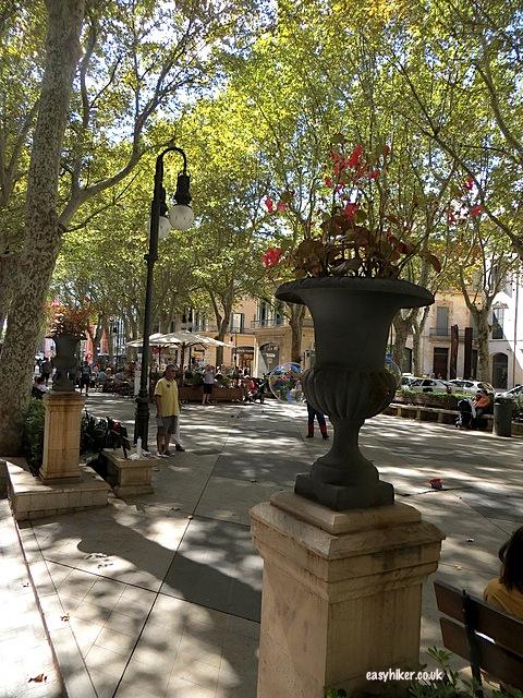 """When sightseeing in Palma de Mallorca, don't miss Plaza de Born"""