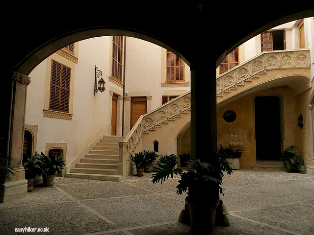 """""""Get a glimpse of a Spanish patio when sightseeing in Palma de Mallorca"""""""