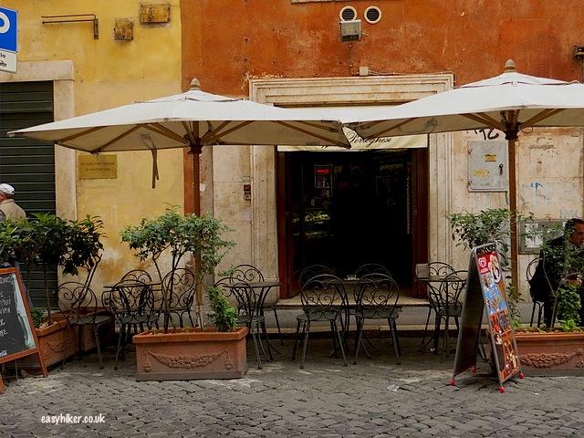 """""""More famous movies in Rome in Via de Portoghesi"""""""