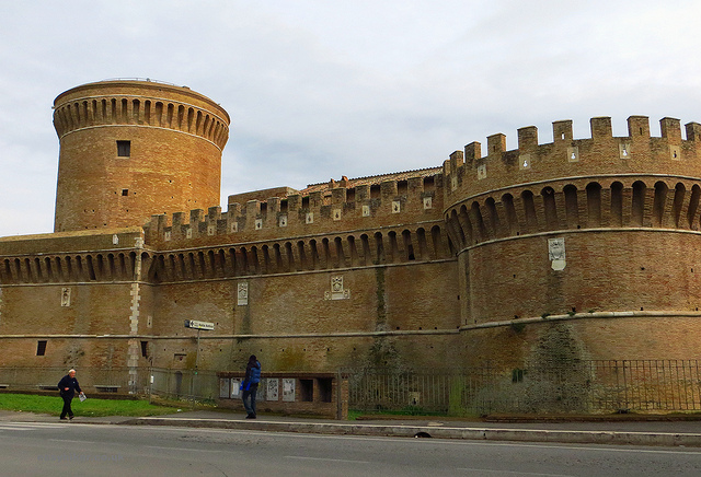 """the castle seen in the walk from Ostia Antica to Lido di Ostia"""