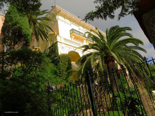 """Villa Paloma along the Cap d'Ail trail - French Riviera Winter Walks"""