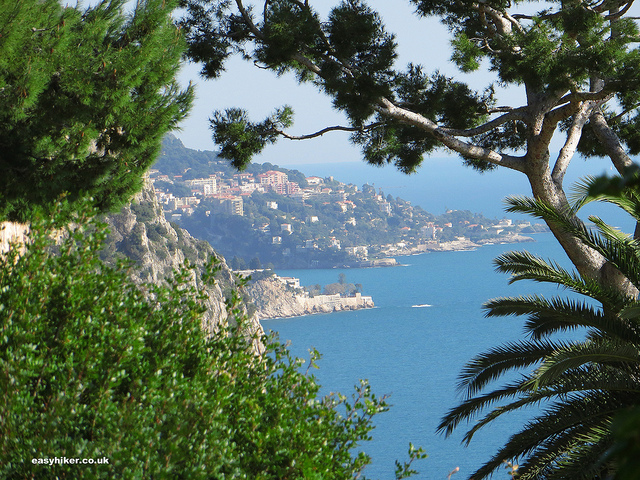 """View of the French Riviera coast from the Little Africa trail - French Riviera hikes"""