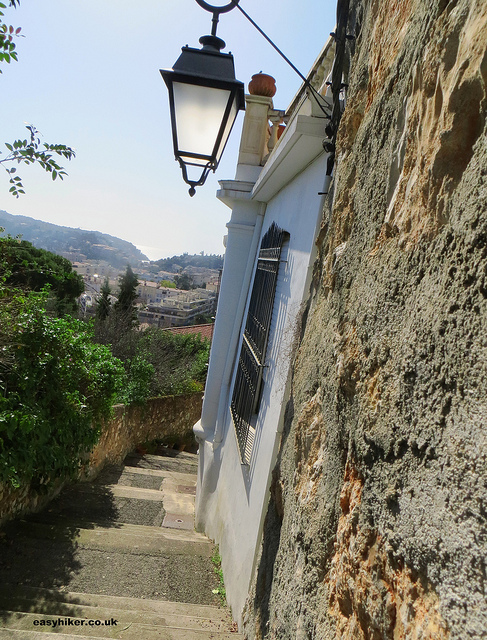 """An alleyway in Little Africa in Beaulieu sur mer - French Riviera hikes"""