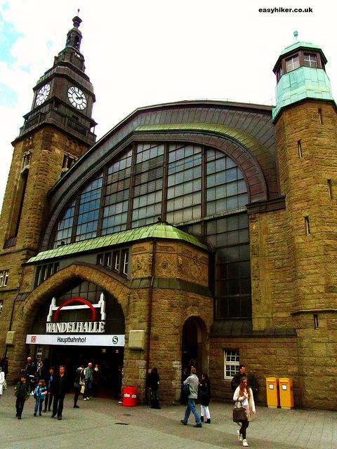 """discreet charm of train stations like the Hamburg main station"""