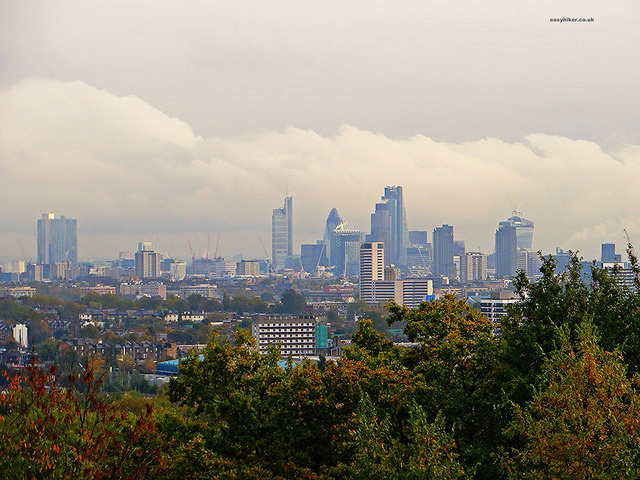"""easy hike for an autumn city break in London"""
