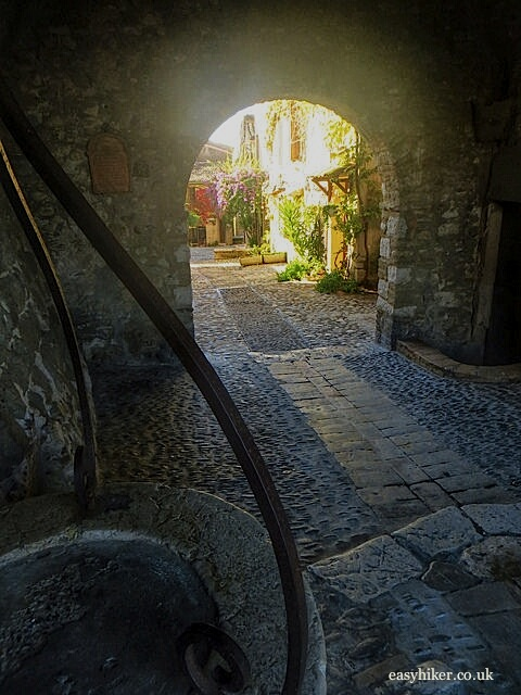 """Through the arch in Haut de Cagnes in the Côte d'Azur"""