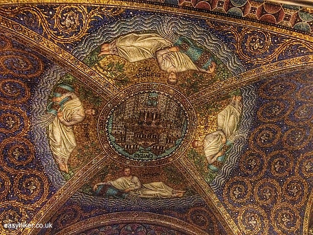 """Part of ceiling of the Palace Chapel in Aachen"""