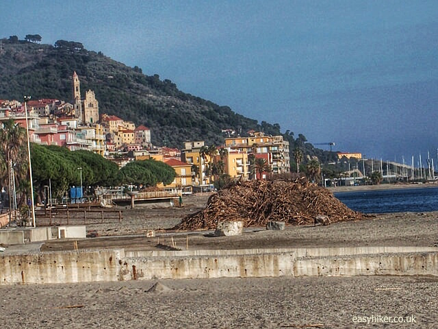 """Walks on the Riviera - between Cervo and Diano Marina"""