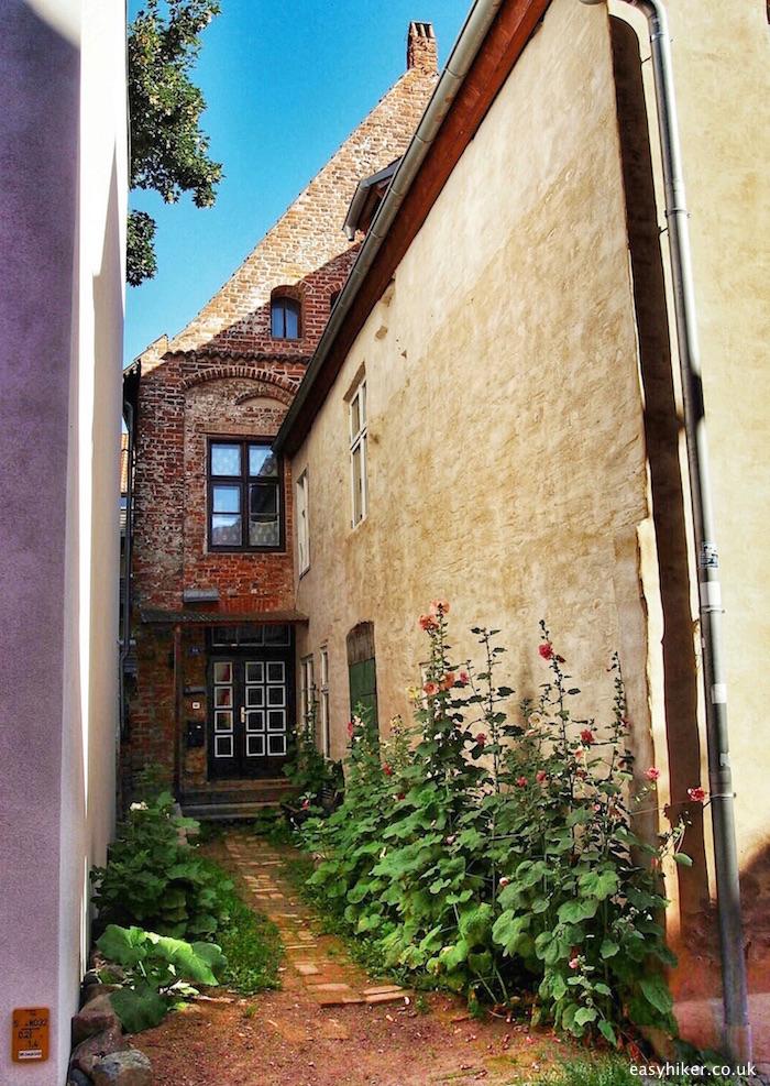 """a alley house in Stralsund - gateway to Ruegen and Usedom"""