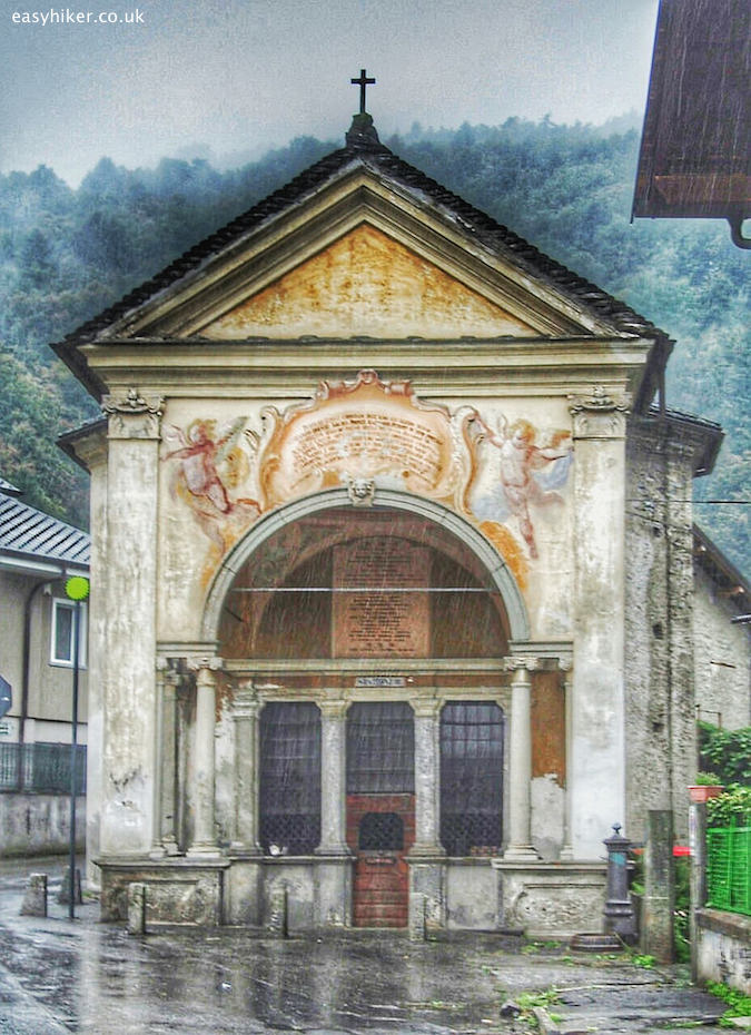 """chapel marking second station of the Holy Calvary in Domodossola"""