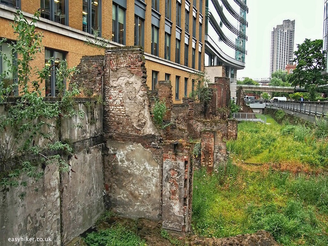 """old Roman wall built around London"""