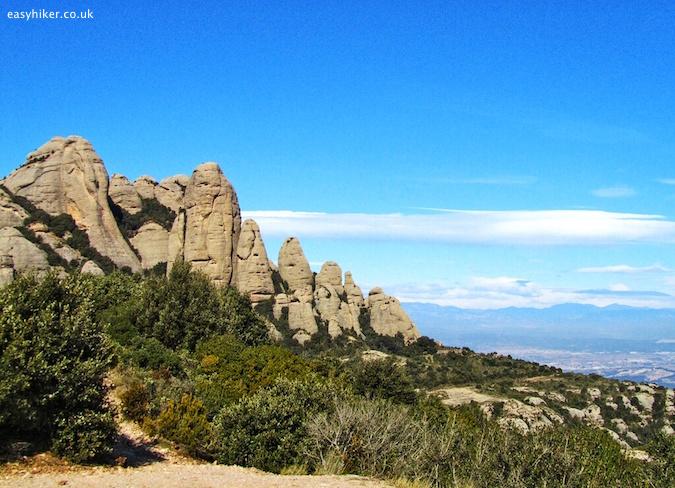 """""""top easy hiker tips in Barcelona"""""""