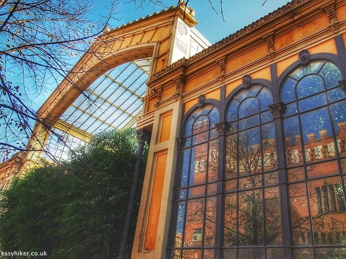 """Greenhouse in Parc de Ciutadella - Barcelona City Walks"""