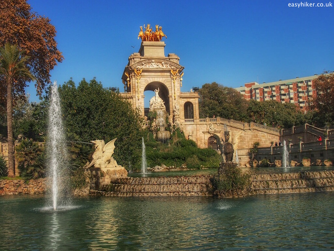 """dramatic fountain in Parc de Ciutadella - Barcelona City Walks:"